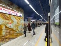 otwarcie II linni metra-marmur